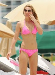 Ilary Blasi: splash in the water in Miami
