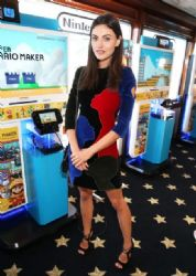 Phoebe Tonkin - The Nintendo Lounget Comic-Con International 2015