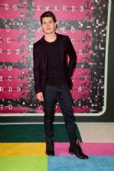 Gregg Sulkin: 2015 MTV Video Music Awards - Red Carpet