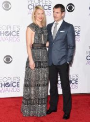 Claire Danes and Hugh Dancy: People's Choice Awards 2016 - Red Carpet