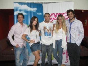 Teen Angels: casual Peru appearance
