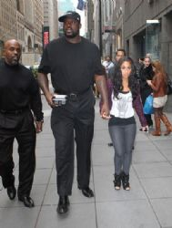 Shaquille O'Neal seen in New York with pint-sized girlfriend, former reality star Nicole 'Hoopz' Alexander