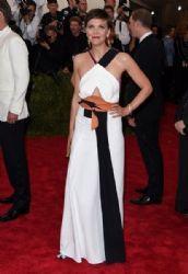Maggie Gyllenhaal wears Roland Mouret - 2015 Met Gala