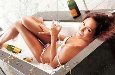 Erin McNaught: June 2012 issue of Maxim Australia magazine