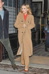 Kate Hudson: leaves her hotel and heads to a taping of