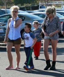 Britney Spears and Jaime Lynn Spears: out shopping at Target in Thousand Oaks