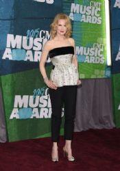 Nicole Kidman wears Balenciaga - 2015 CMT Music Awards