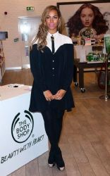 Leona Lewis: showed up at The Body Shop in London