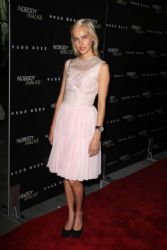 Isabel Lucas: at Nobody Walks premiere in Los Angeles