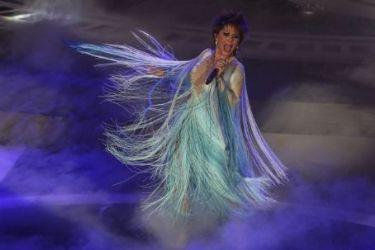 Alejandra Guzmán: Lunas del Auditorio Nacional Awards 2014