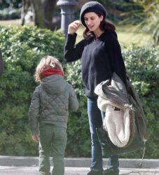 Penelope Cruz: baby walk