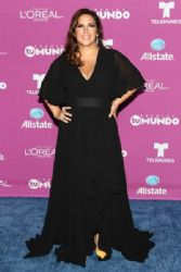 Angelica Vale: 'Premios Tu Mundo' Awards 2015