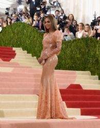 Beyonce : 'Manus x Machina: Fashion In An Age of Technology' Costume Institute Gala - Arrivals
