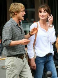Owen Wilson and Carla Bruni