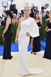 Kate Hudson in Stella McCartney Dress  : 2017 Met Gala