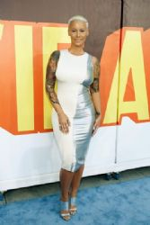 Amber Rose attends The 2015 MTV Movie Awards