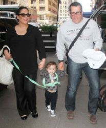 Angélica Vale and Otto Padron: family walk