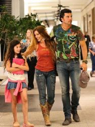 Monica Ayos and Diego Olivera: mall walk