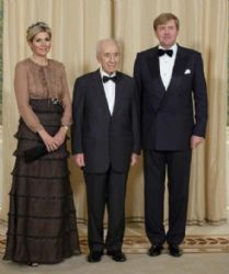 King Willem-Alexander Of The Netherlands, Queen Maxima Of Netherlands and Shimon Peres: official dinner