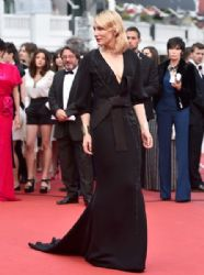Cate Blanchett: attends the Premiere of