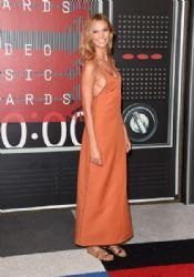Karlie Kloss: 2015 MTV Video Music Awards - Red Carpet
