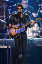Beto Cuevas: Telemundo's Premios Tu Mundo Awards 2014 - Show