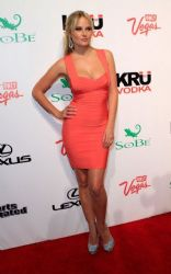 Sports Illustrated Swimsuit Issue Hosts Club SI in Sin City