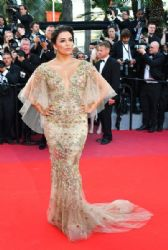 Eva Longoria in Marchesa Dress : 'The Killing of a Sacred Deer' Red Carpet Arrivals - The 70th Annual Cannes Film Festival