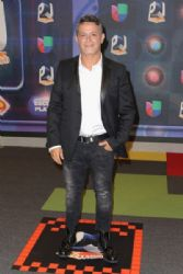 Alejandro Sanz: Univision's Premios Juventud 2015- Red Carpet