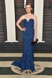 Gillian Jacobs : 2016 Vanity Fair Oscar Party Hosted By Graydon Carter - Arrivals