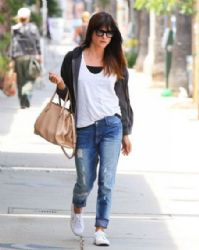 Selma Blair leaves a skin products store on May 15, 2013 in Studio City, California