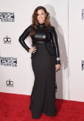 Alanis Morissette: 2015 American Music Awards - Red Carpet