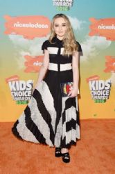 Sabrina Carpenter: Nickelodeon's 2016 Kids' Choice Awards - Arrivals