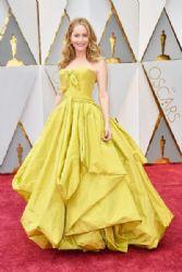 Leslie Mann: 89th Annual Academy Awards - Arrivals