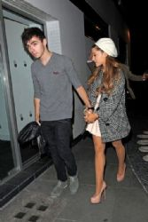 Ariana Grande and Nathan Sykes Get Dinner
