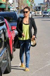Vanessa Lachey: leaving bellacures nail salon in Studio City