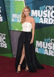 Brittany Snow wears Monique L'huillier - CMT Music Awards