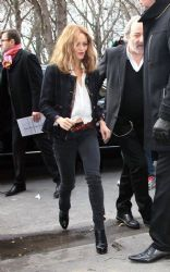Vanessa Paradis: showed up at the Chanel Fall/Winter 2013 Ready-to-Wear presentation