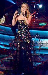 Belinda: live show performance
