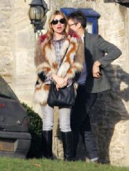 Kate Moss & Jamie Hince Meet Friends For Lunch