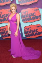 Kellie Pickler wears Lorena Sarbu - 2014 CMT Music Awards