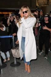 Khloe Kardashian Spotted at Los Angeles Int'l Airport