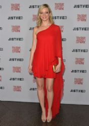 Amy Smart arrives to the Season 5 premiere of FX's 'Justified' at DGA Theater on January 6, 2014 in Los Angeles, California
