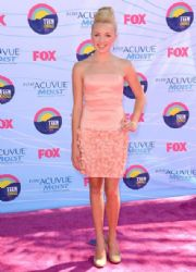 Peyton List arrives at the 2012 Teen Choice Awards at Gibson Amphitheatre on July 22, 2012 in Universal City, California