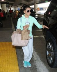 Eva Longoria: arrives on a flight from Miami at LAX Airport in Los Angeles