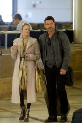 LeAnn Rimes & Eddie Cibrian Walk Through LAX