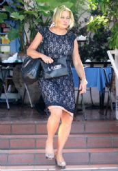 Jennifer Coolidge: out for lunch at Taverna Tony in Malibu