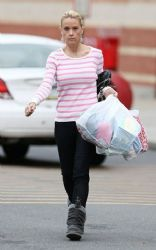 Kate Gosselin: shopping at Bed, Bath and Beyond in Reading