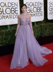 Hailee Steinfeld: 74th Annual Golden Globe Awards - Arrivals