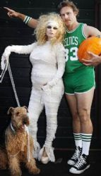 Pregnant Jessica Simpson and Eric Johnson as Larry Bird Share Halloween Family Portrait